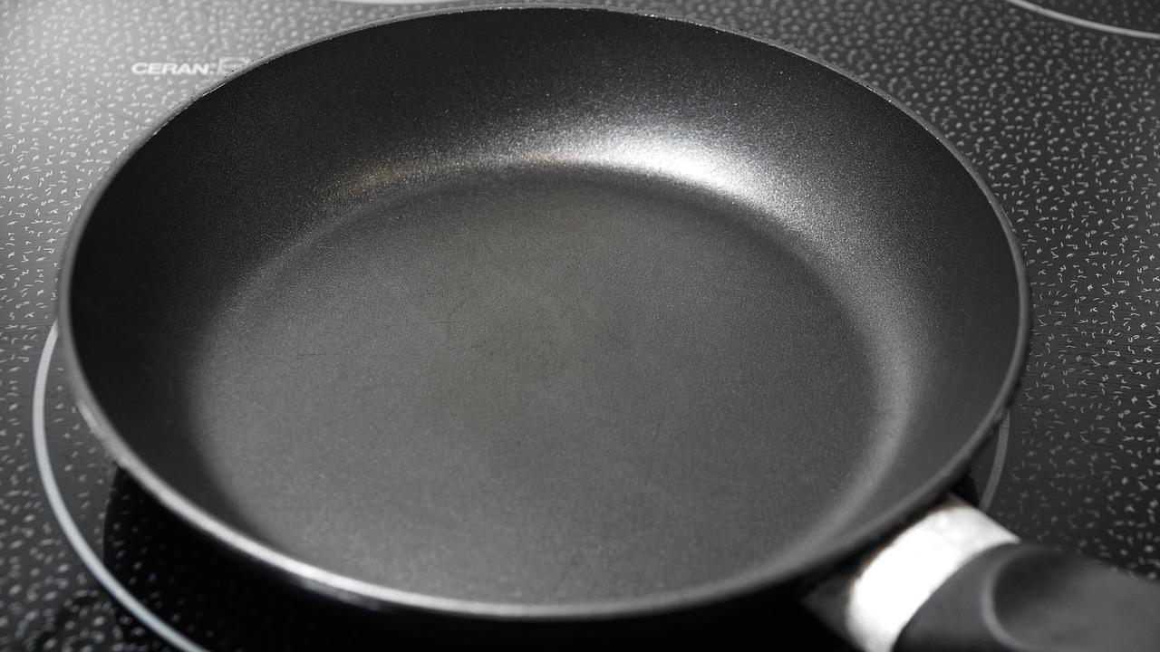 Alternatives to Nonstick Cookware